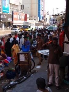 Folkvimlet i shoppingdistriktet T-Nagar