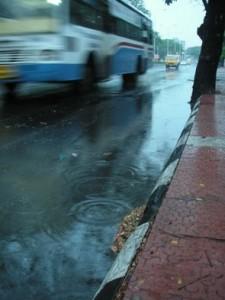 Det är svårt att tro men ibland så regnar det även i Chennai!